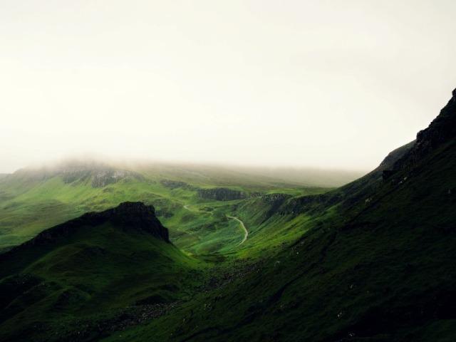 ireland-smaragdine-landscape-via-lawhimsy