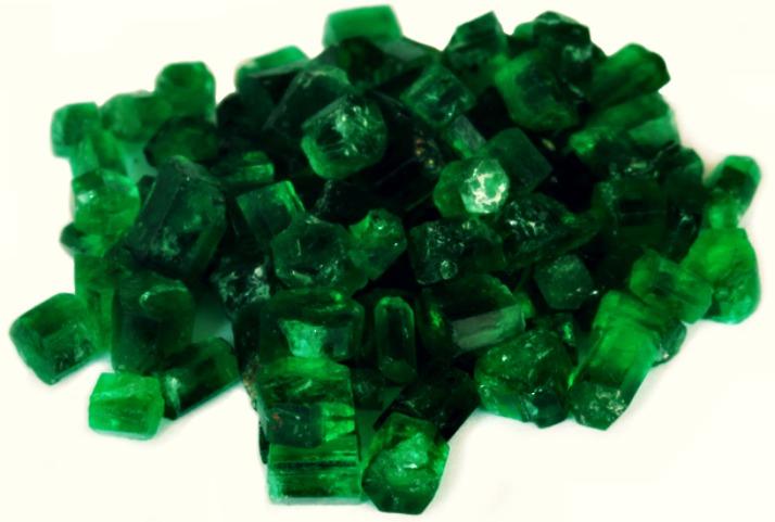 smaragdine-emerald-gems-via-lawhimsy