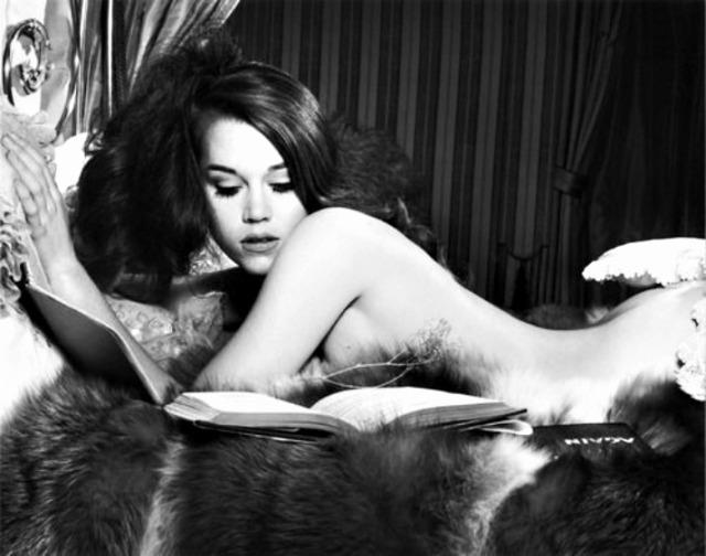 librocubicularist Jane Fonda reading in bed via lawhimsy