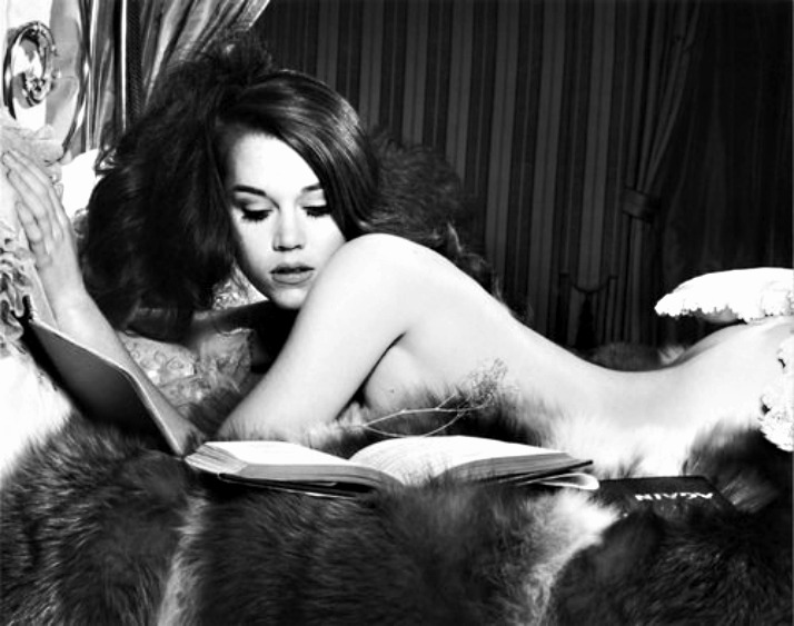librocubicularist Jane Fonda reading in bed via lawhimsy